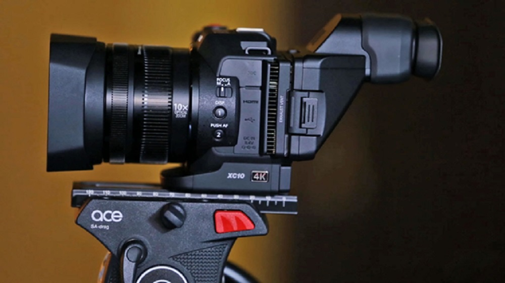 Professional video camera reviews