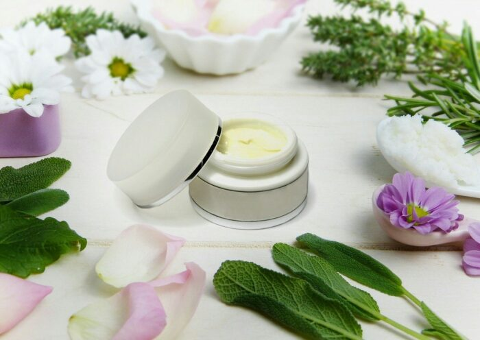 How custom skin care cream Boxes Help to Build A Cosmetic Brand